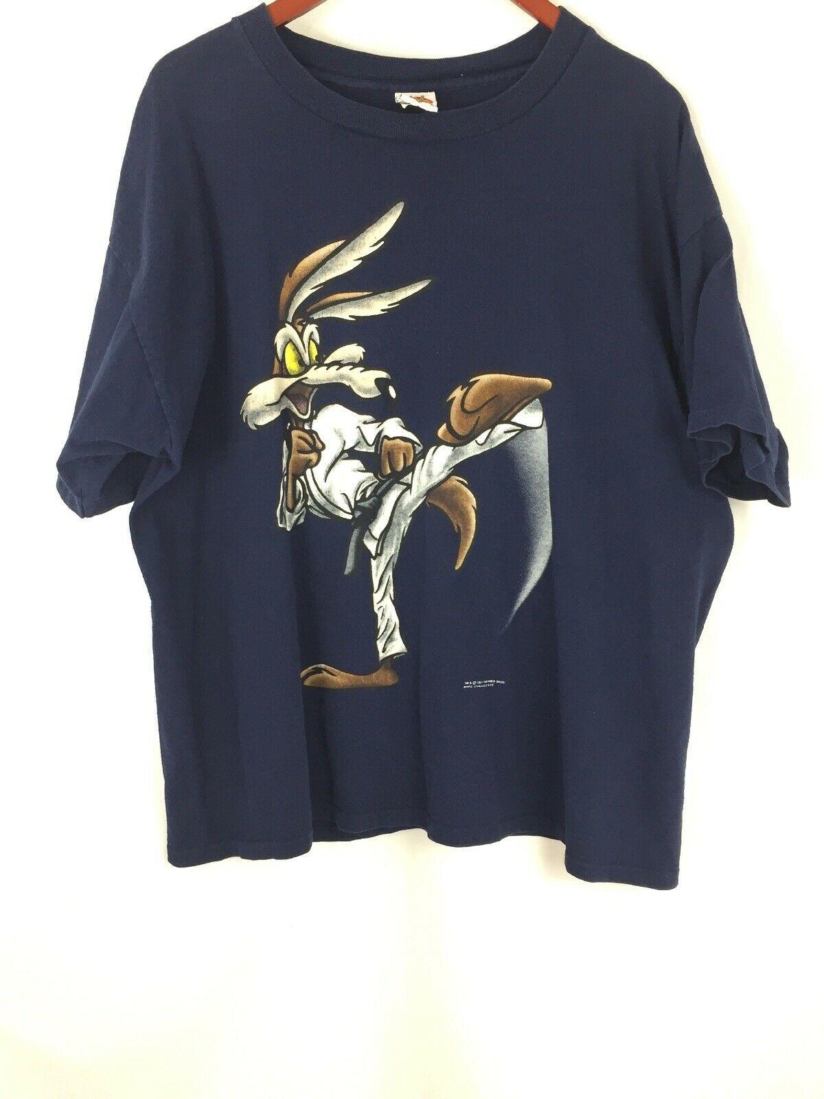 Looney Tunes Men Shirt T Short Sleeve Vintage Wile E Coyote 90s Karate